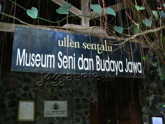 Ullen Sentalu Picture Museum Yogyakarta Kab Sleman