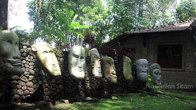 Membidik Patung Omah Petruk Sleman Nasirullah Sitam Sudut Lain Rumah