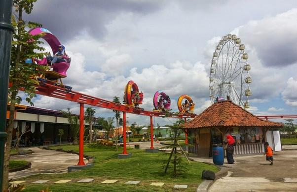 Objek Wisata Keluarga Sindu Kusuma Edupark Mlati Sleman Yogyakarta Park