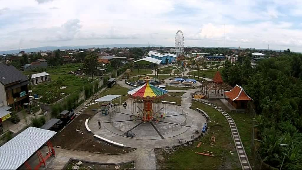 Sindu Kusuma Edupark Sleman Night Spectacular Youtube Park Yogyakarta Kab