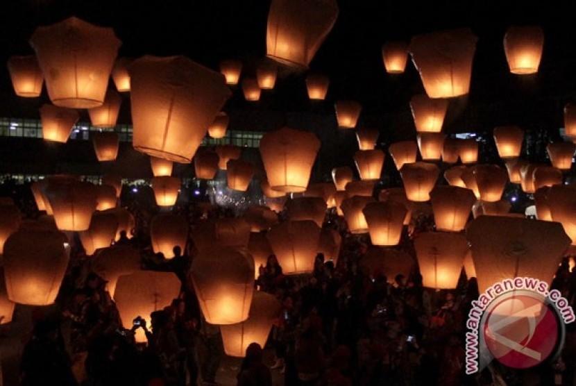 Jangan Selfie Berlebihan Taman Lampion Kaliurang Republika Online Yogyakarta Pelangi