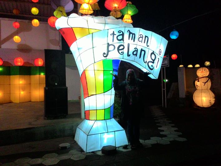 Mlaku Nang Taman Pelangi Yogyakarta Story Hani Biasa Disebut Lampion