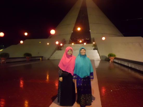 Monumen Yogya Kembali Picture Taman Pelangi Sleman Tripadvisor Yogyakarta Kab