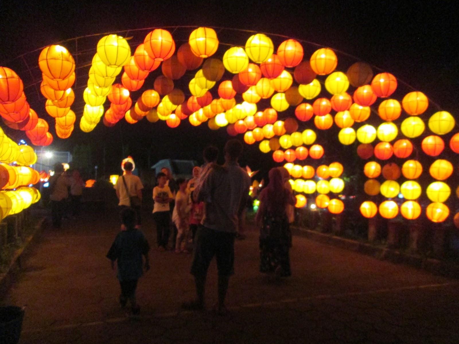 Taman Pelangi Jogja Monjali Tapi Bukanya Malam Hari Jam5 Sore