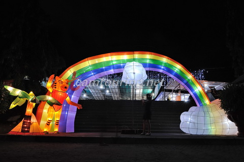 Taman Pelangi Monjali Sleman Warna Warni Lampion Pintu Masuk Yogyakarta