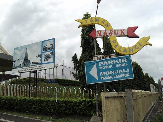Tempat Parkir Monjali Taman Pelangi Lampion Picture Monumen Jogja Kembali
