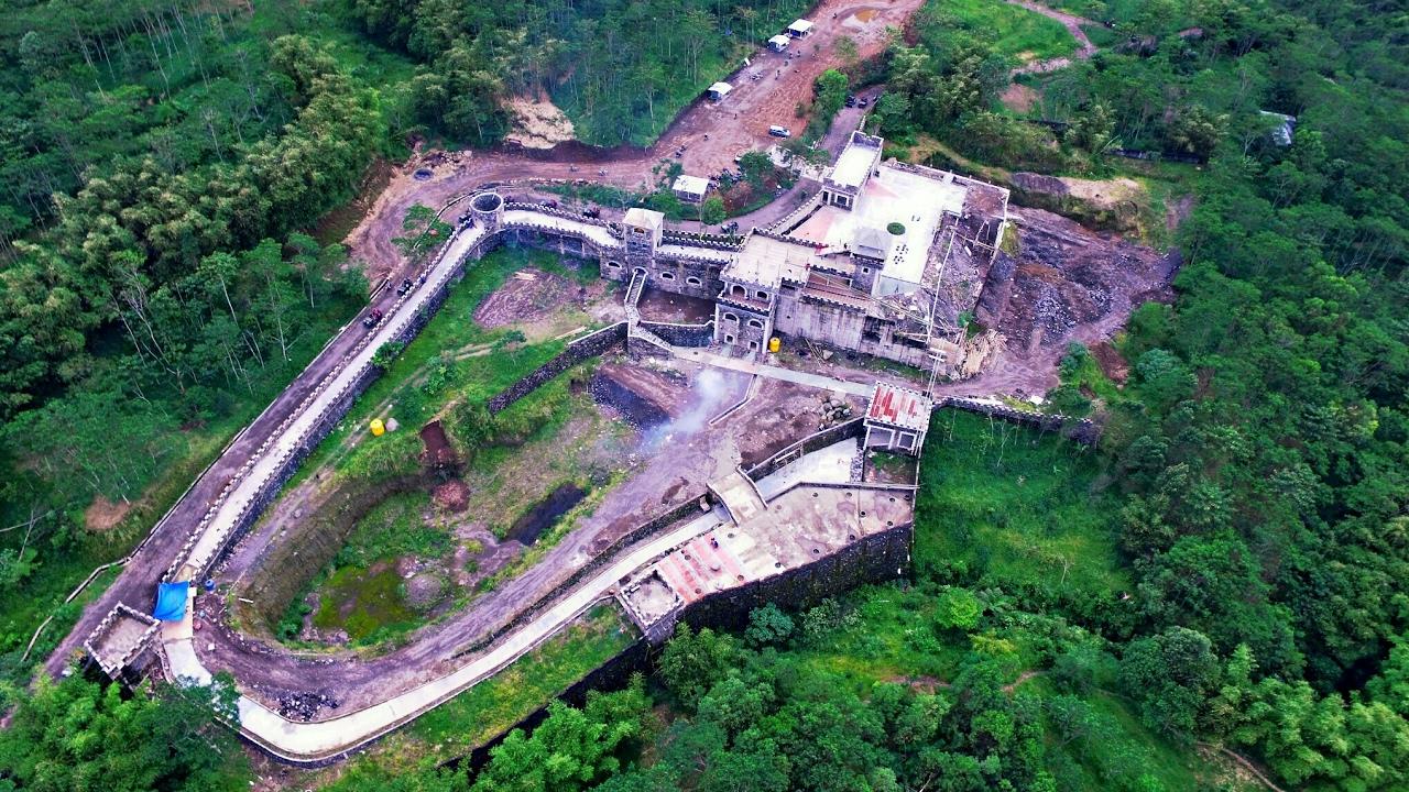 Lost World Castle Istana Dunia Hilang Yogyakarta Youtube Kab Sleman