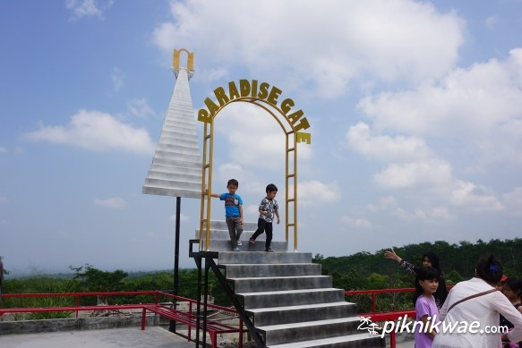 Lost World Castle Jogja Piknikwae Paradise Gate Kab Sleman