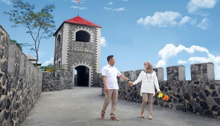 Megahnya Lost World Castle Lereng Gunung Merapi Wisata Viral Benedic
