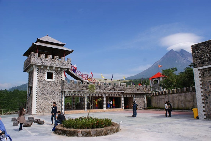 Obyek Wisata Hits Lost World Castle Jogja Kaliurang Sleman Eksotis
