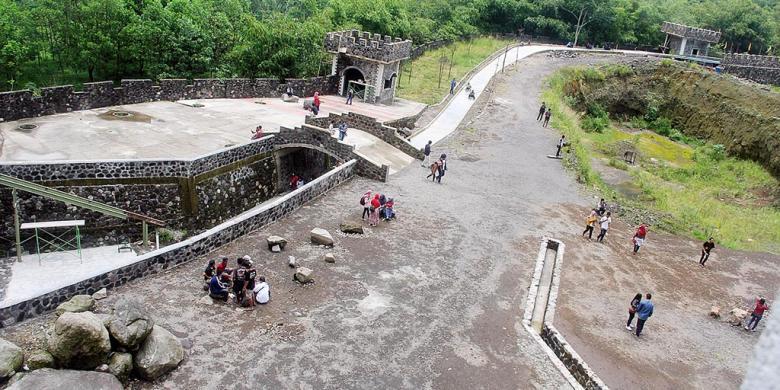 Pembangunan Lost World Castle Yogyakarta Langgar Aturan Kompas Kab Sleman