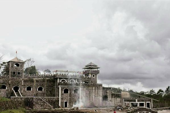 Tempat Wisata Jogja Tahu Kamar Aja Lost World Castle Khaerusholeh