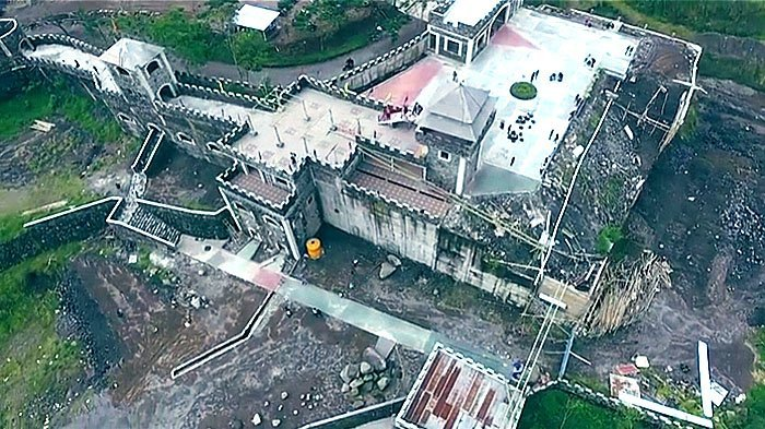 Video Megah Istana Lost World Castle Yogyakarta Mirip Benteng Takeshi