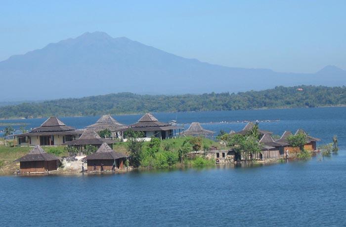 10 Destinasi Ciamik Sragen Bikin Kamu Waduk Kedung Ombo Wisata