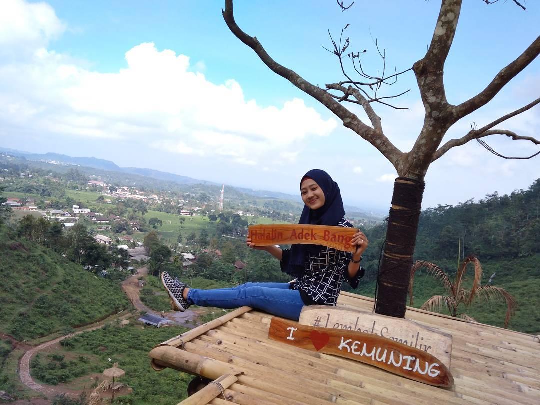 2017 Travel Story Indonesia Salah Satunya Berada Kabupaten Karanganyar Jawa
