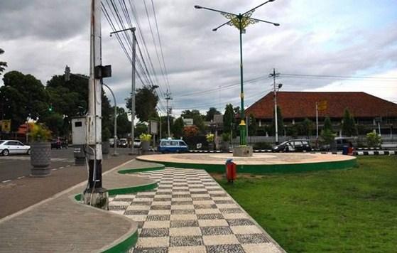 Pesona Keindahan Destinasi Wisata Alun Kota Sragen Jawa Tengah Sarankan