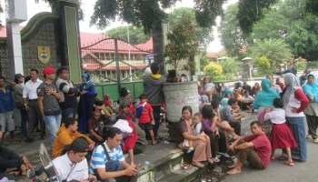 Puluhan Pelajar Sragen Aksi Damai Alun Sasana Langen Terkait Pkl