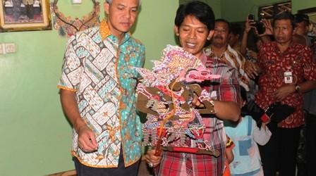 Informasi Umkm Kabupaten Sragen Gubernur Kunjungi Industri Wayang Beber Kulit