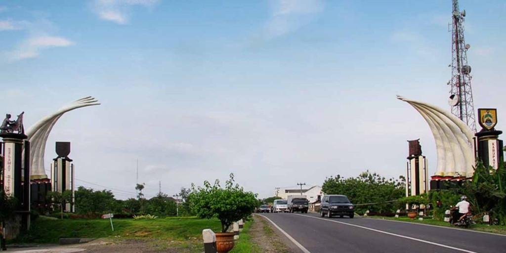 6 Destinasi Wisata Sragen Segara Kamu Kunjungi Wovgo Gerbang Plengkung
