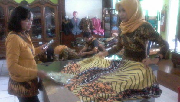 Seragam Batik Parang Sukowati Kehabisan Stok Timlo Net Salah Satu