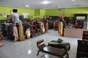 Souvenir Galery Batik Sukowati Sentra Bisnis Sragen Gallery 2 Wisata