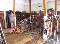Wisata Batik Kliwonan Sragen Solo Koleksi Khas Galeri Sukowati Kab