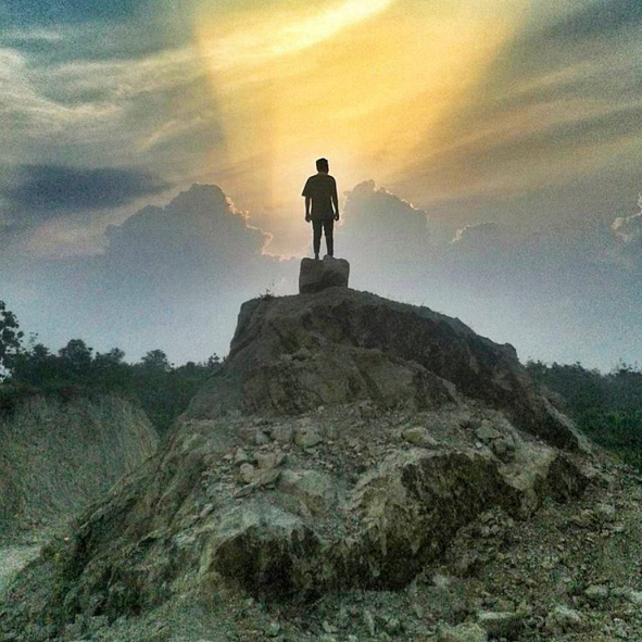 17 Tempat Wisata Sragen Jawa Tengah Wajib Dikunjungi Gunung Tugel