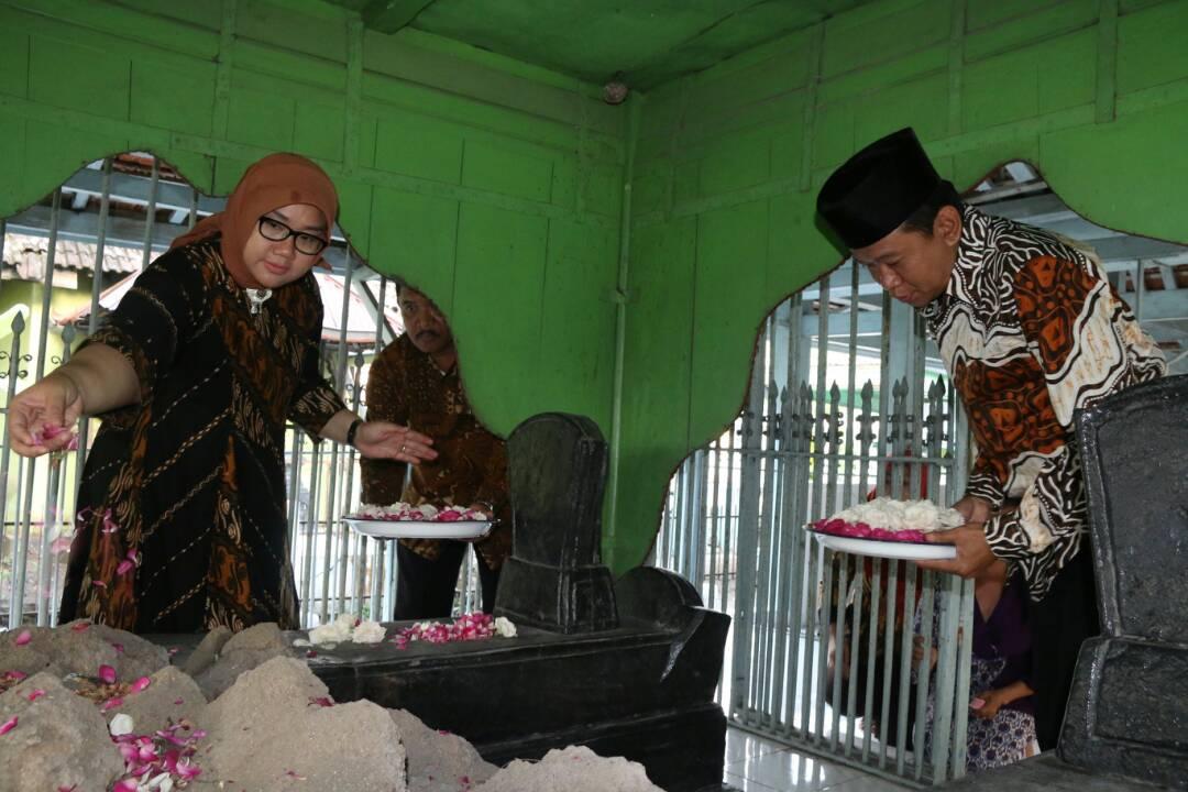 Bupati Wakil Berziarah Makam Pendiri Sragen Wisata Joko Tingkir Kab