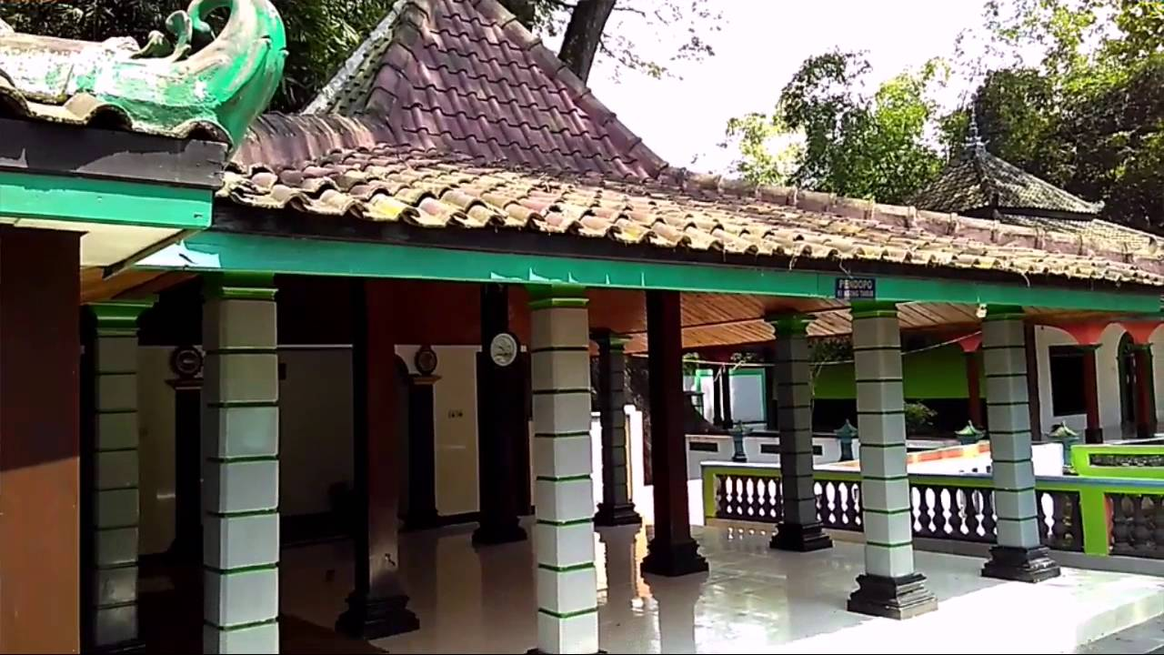 Makam Ki Ageng Tarub Tawangharjo Grobogan Purwodadi Jawa Tengah Joko