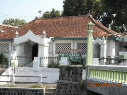 Objek Wisata Sragen Surakarta Solo Danial Nouri Masjid Laweyan Makam