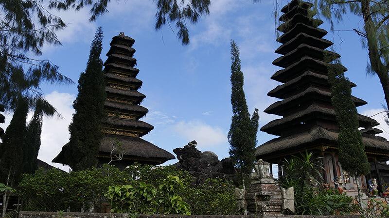 Panduan Wisata Bali Sekitarnya Pikniek Tempat Pura Taman Sukowati Kab