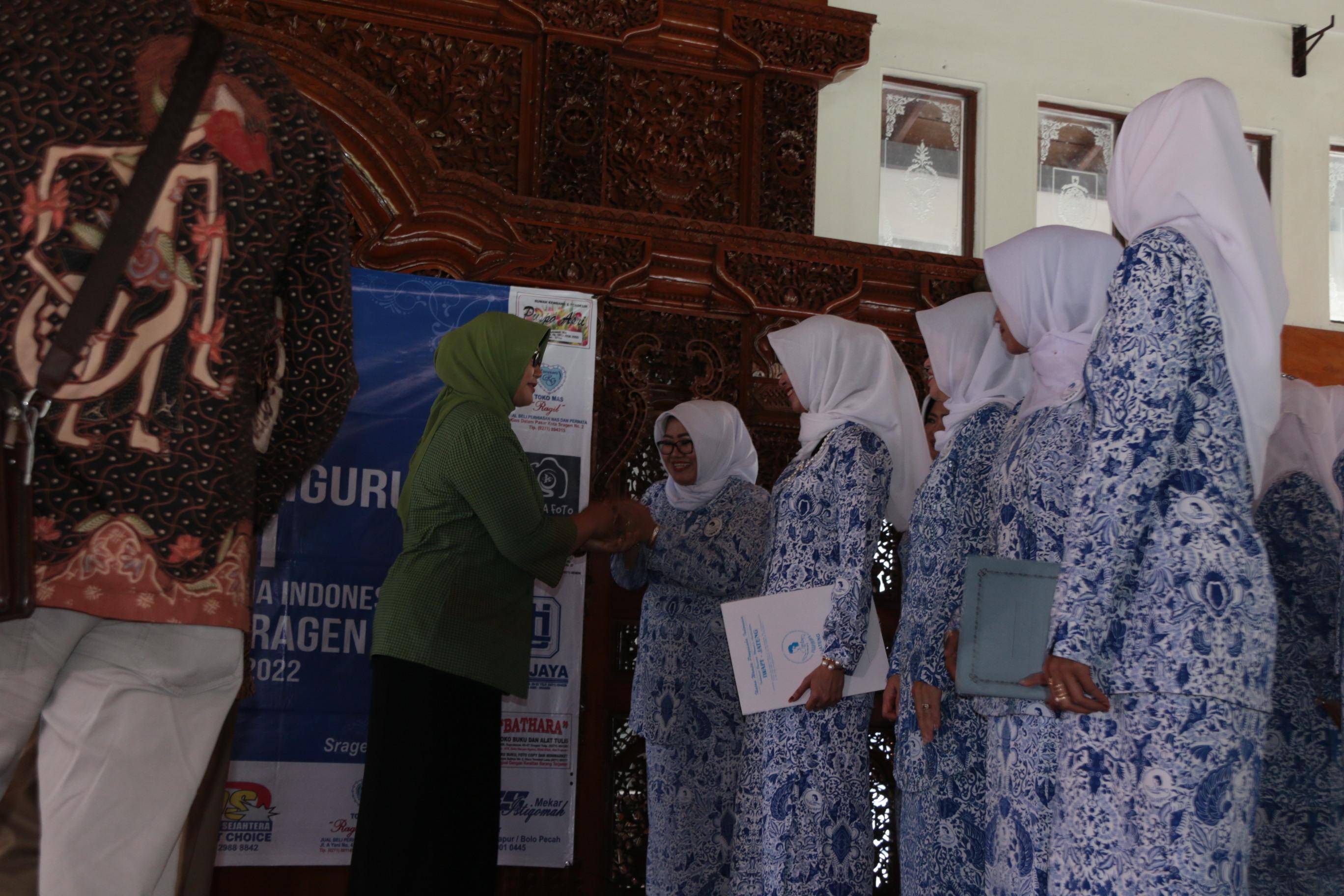 Pelantikan Pengurus Dpc Iwapi Sragen Periode 2017 2022 Wisata Taman