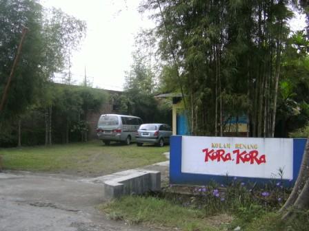 Kolam Renang Anak Solo Januari 2012 Semoga Fasilitas Halaman Parkir