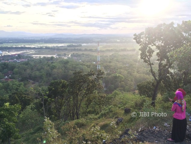 Batu Manten Gunung Taruwongso Sukoharjo Solusi Liburan Bagi Jomblo Https