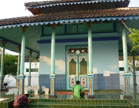 Destinasi Wisata Religi Makam Ki Ageng Sutawijaya Majasto Sukoharjo Jawa