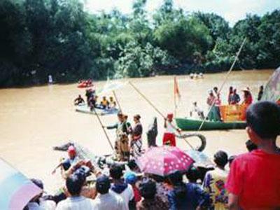 Ritual Larung Agung Getek Jaka Tingkir Petilasan Kasultanan Pajang Kab