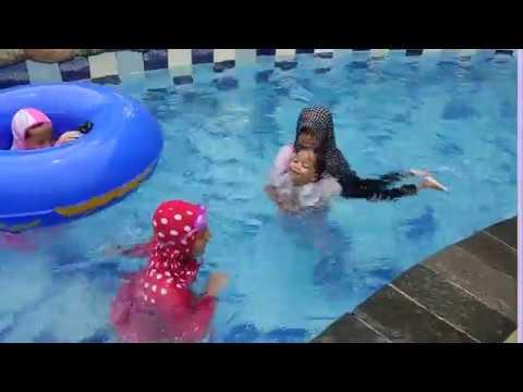 Berlatih Renang Royal Water Adventure Youtube Kab Sukoharjo