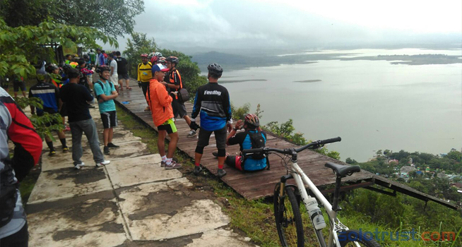 Pesona Watu Cenik Tawarkan Asyiknya Olahraga Wisata 9 Januari 2018