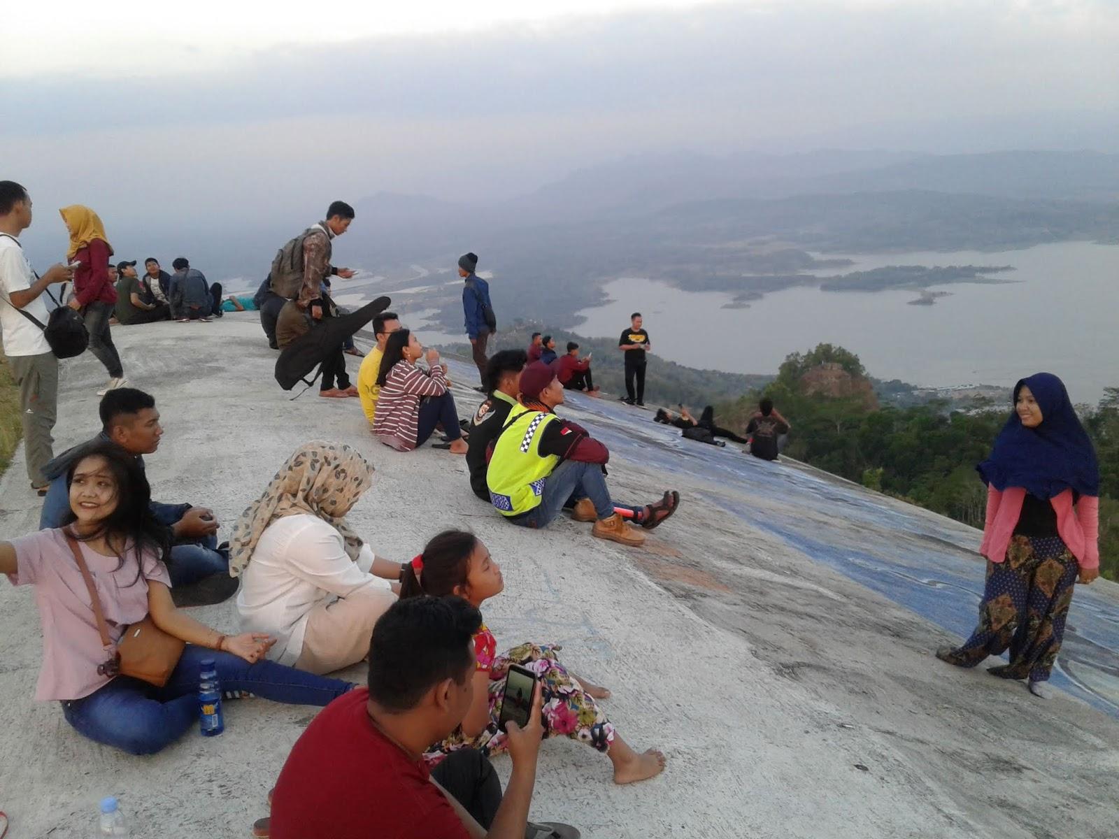 Sendang Pinilih Data Pengunjung Obyek Wisata Bumdes Kab Sukoharjo