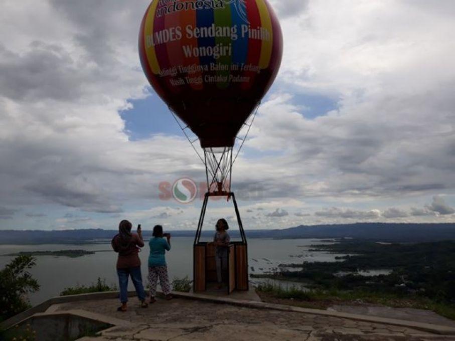 Sorotwonogiri Media Berita Online Wonogiri Foto Cantik Bersama Balon Udara