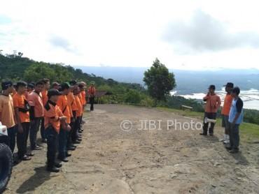 Wisata Wonogiri Gunung Bale Dijadikan Arena Panjat Tebing Tim Search