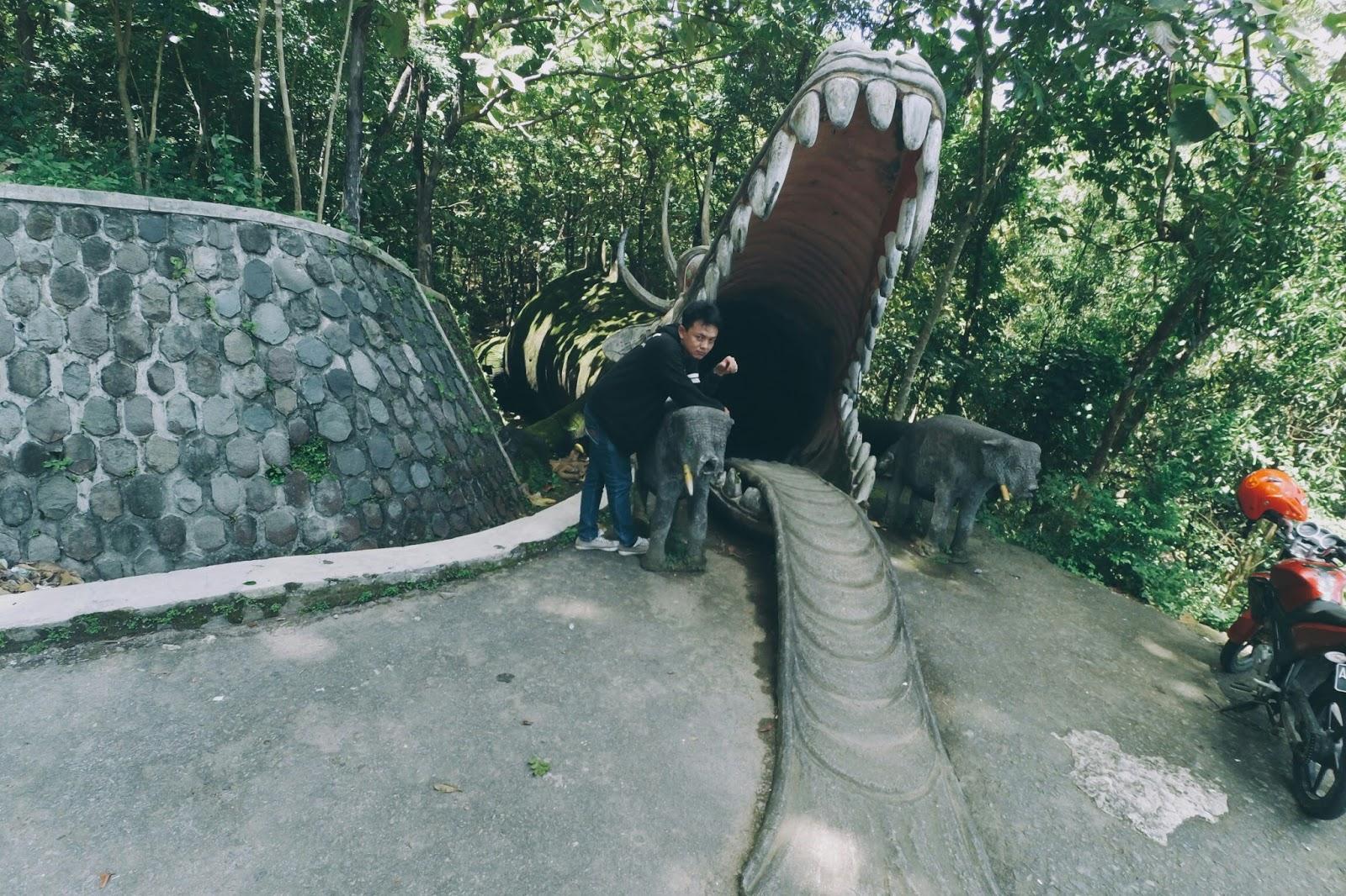 Trip Santai Umbul Pecinan Kolam Renang Objek Wisata Batu Kepala
