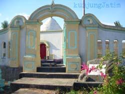 Ziarah Makam Karang Sabu Sumenep Kunjung Jatim Wisata Salah Satu