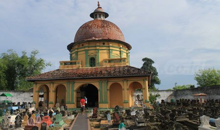 Makam Raja Asta Tinggi Sumenep Harian Bhirawa Online Kawasan Pemakaman