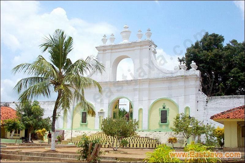 Pantai Salopeng Sumenep Madura Bhadexs Asta Tinggi Kawasan Pemakaman Khusus