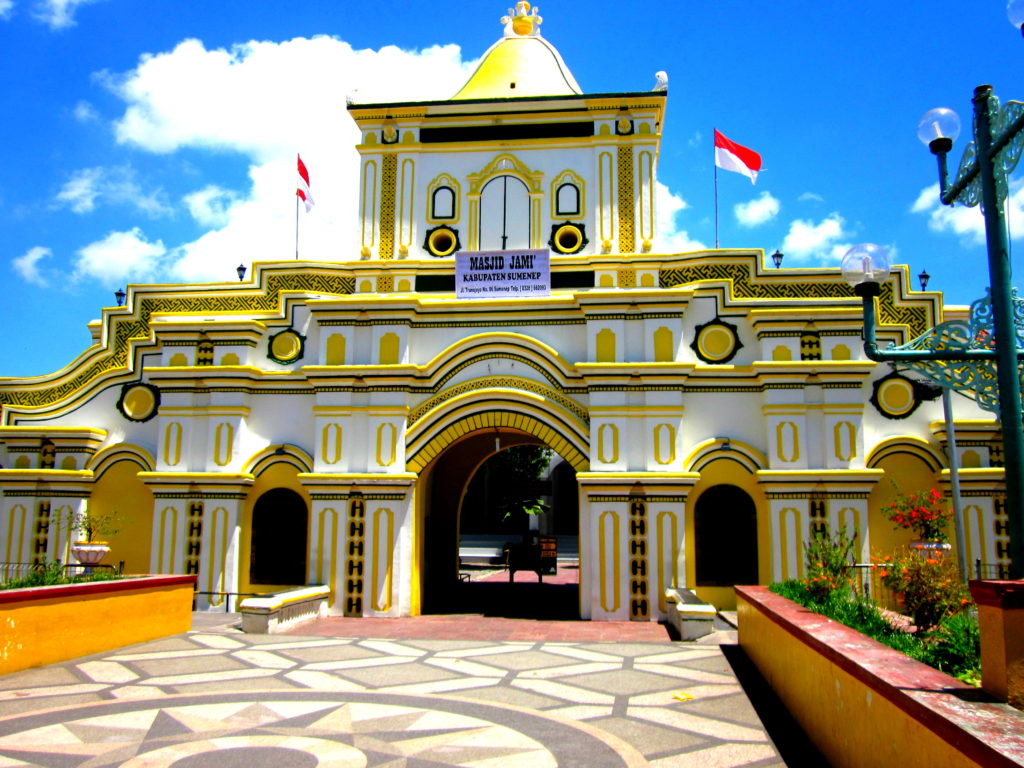 13 Tempat Wisata Sumenep Kian Mempesona Masjid Agung Kab