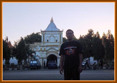 Firdaus Ubaidillah Masjid Agung Sumenep Madura Jawa Timur Secara Administratif