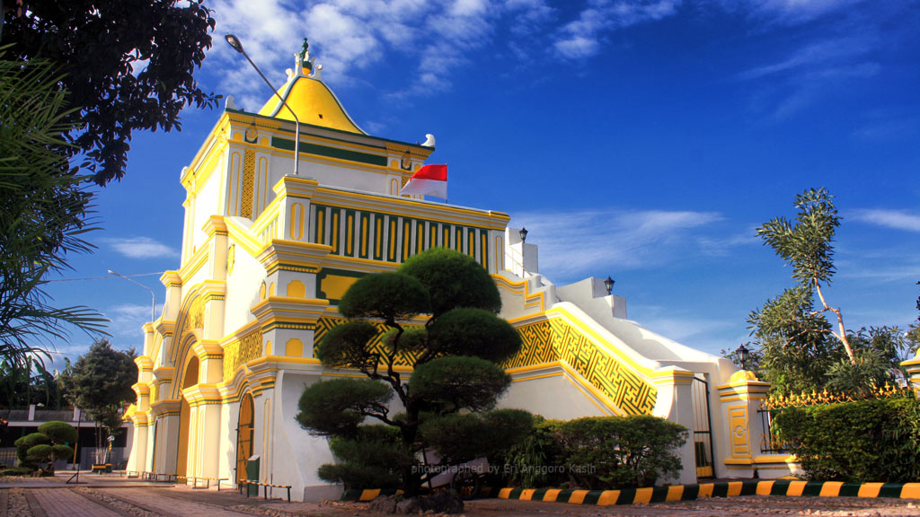 Indahnya Arsitektur Masjid Agung Sumenep Pulau Madura Eri Anggoro Arah