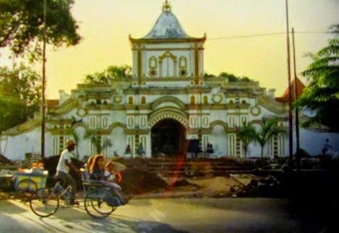 Legenda Pembangunan Masjid Jamik Sumenep Gerbang Madura Agung Salah Satu