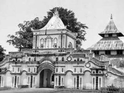 Masjid Agung Sumenep Artikel Unik Terletak Jalan Trunojoyo Nomor 6